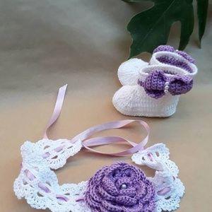 Beautiful Crochet adjustable baby/toddler headband